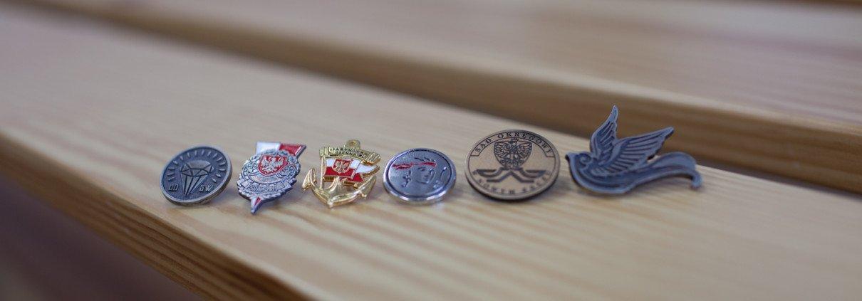 Pinsy metalowe na zamówienie