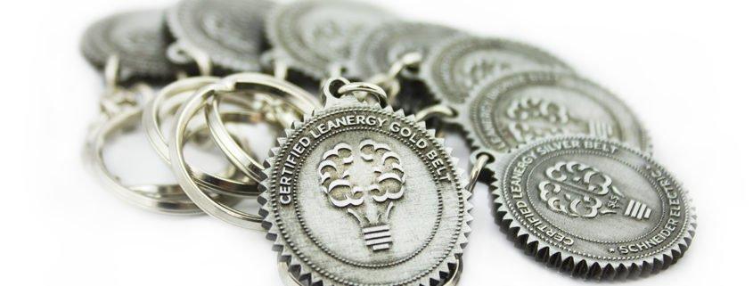 Breloki reklamowe dla firm wyprodukowane przez MCC Medale