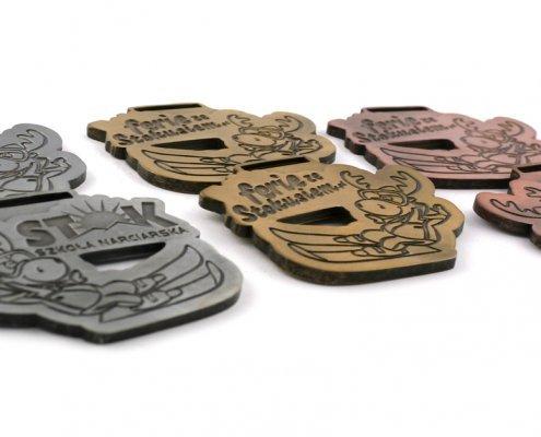 Medale dla dzieci ze szkółki narciarskiej