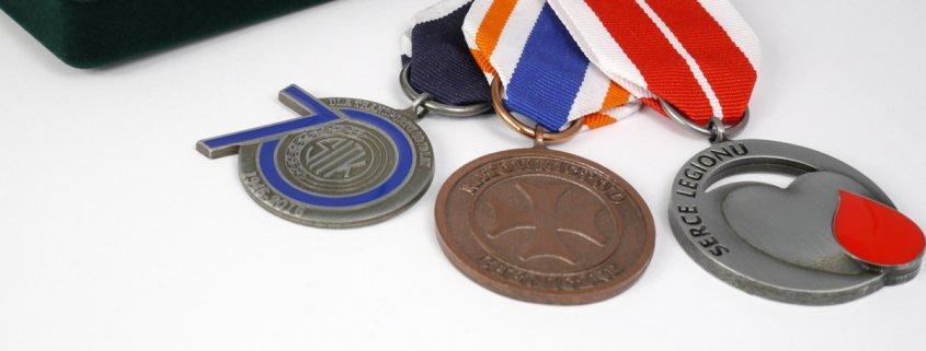 Ordery i odznaczenia okolicznościowe wykonane przez MCC Medale