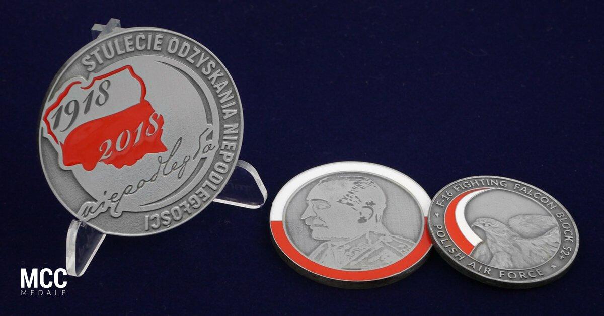 Medale z flagą Polski