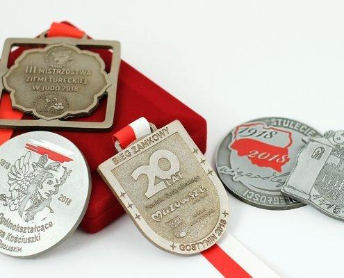 Narodowe Święto Niepodległości w tym roku będzie 100 rocznicą odzyskania niepodległości przez Polskę. Prezentujemy medale na tę okazję wykonane przez MCC Medale