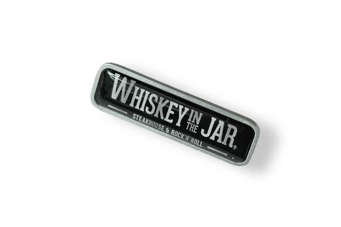 Whiskey In The Jar - pins z naklejką 3D wykonany przez producenta przypinek MCC Medale