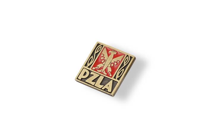 PZLA - pins emaliowany wykonany dla Polskiego Związku Lekkiej Atletyki przez MCC Medale