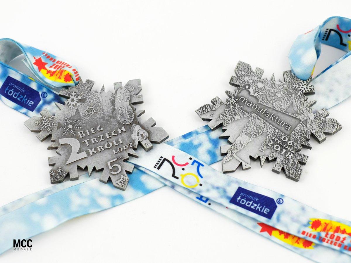Medale na biegi z okazji święta Trzech Króli