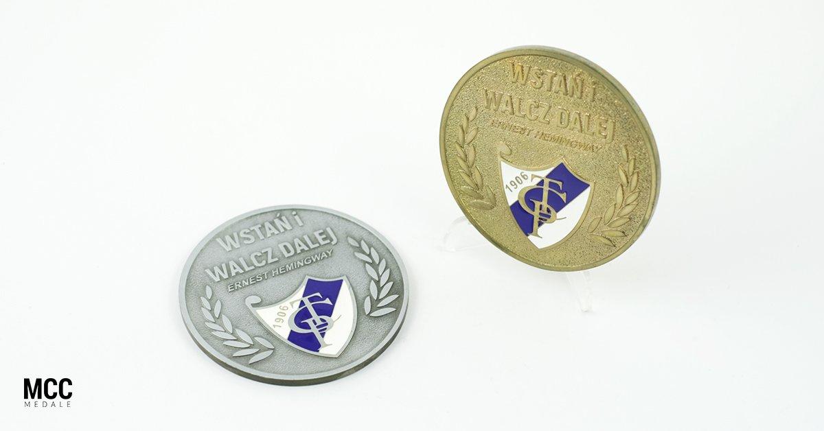 Dwa medale okolicznościowe wykonane dla klubu sportowego dla MCC Medale