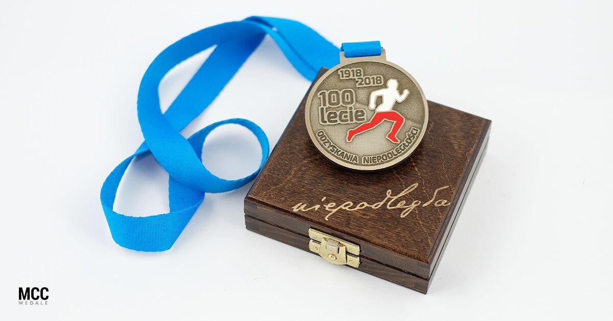 Grawerowane etui na nagrody sportowe