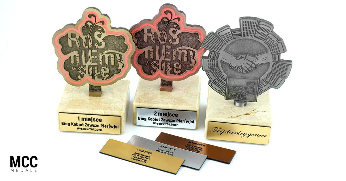 Statuetki z grawerem - wykonane przez MCC Medale