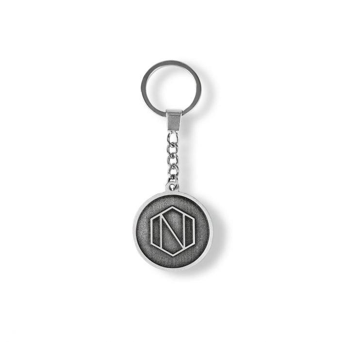 Reklamowe breloczki do kluczy z logo firmowym, metalowe, odlewane na zamówienie, od producenta MCC Medale