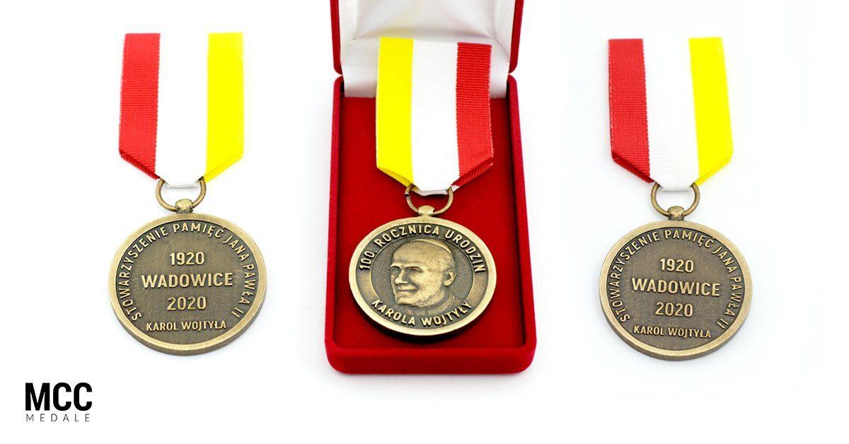 100 rocznica urodzin Karola Wojtyły została upamiętniona orderami przygotowanymi przez MCC Medale
