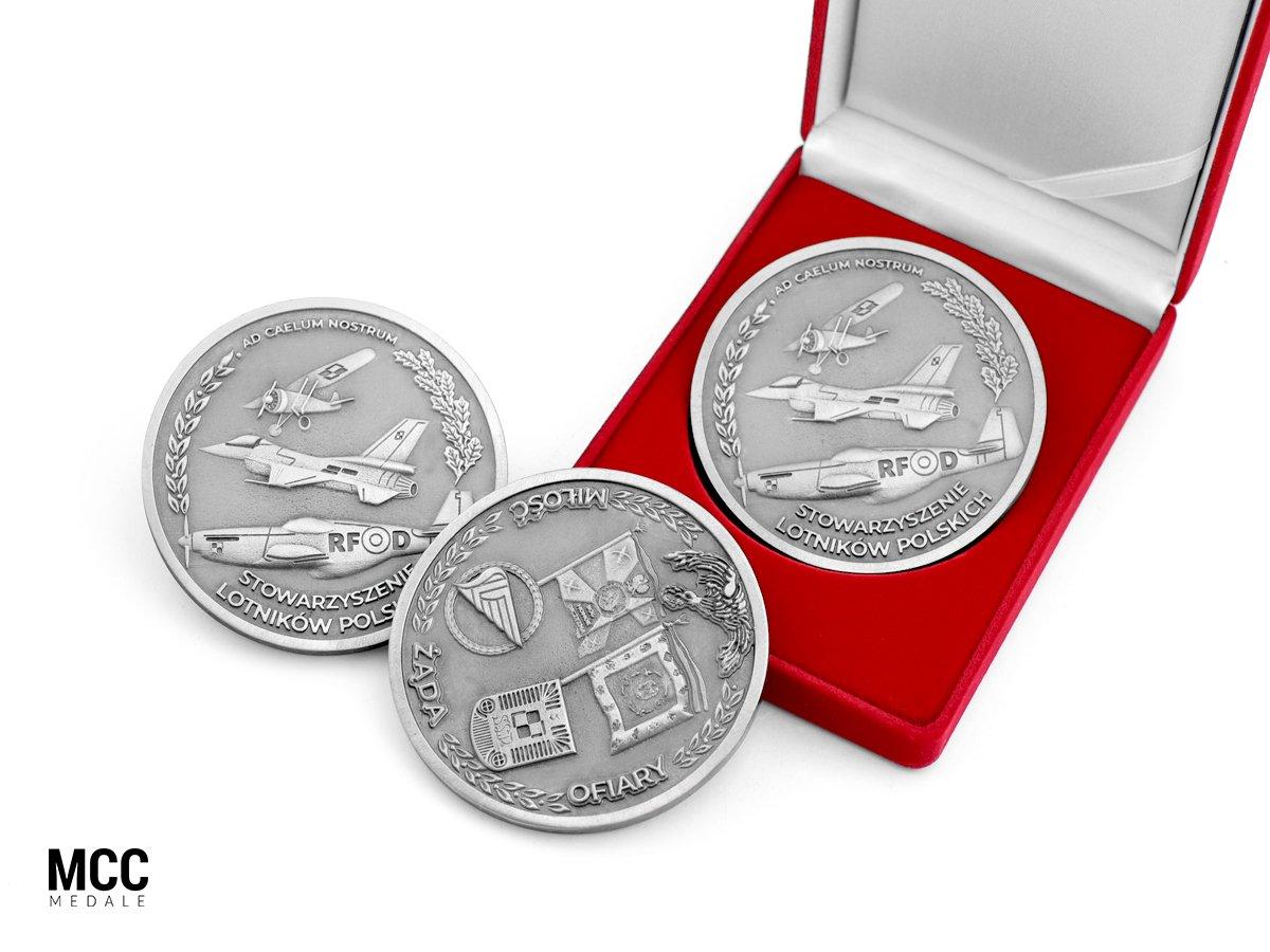 Medale pamiątkowe od MCC Medale wyprodukowane na zamówienie
