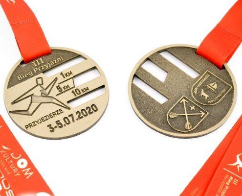 III Bieg Przyjaźni w Przyjezierzu - medale przygotowane przez producenta