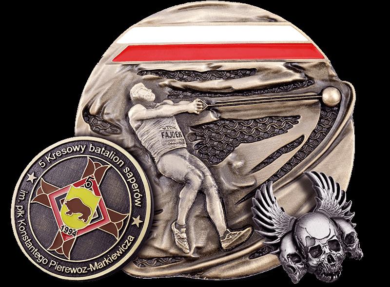 Projekty odlewów zamówionych w MCC Medale: moneta okolicznościowa, medal sportowy oraz pins w kształcie czaszek