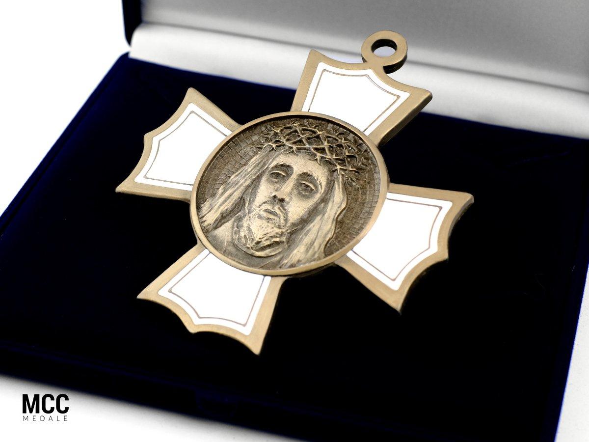 Medal z Jezusem dla parafii pw. Trójcy Przenajświętszej w Mielcu
