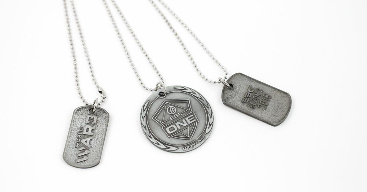 Nieśmiertelniki na zamówienie wyprodukowane przez firmę MCC Medale