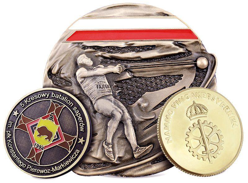 Trzy monety okolicznościowe wykonane przez MCC Medale