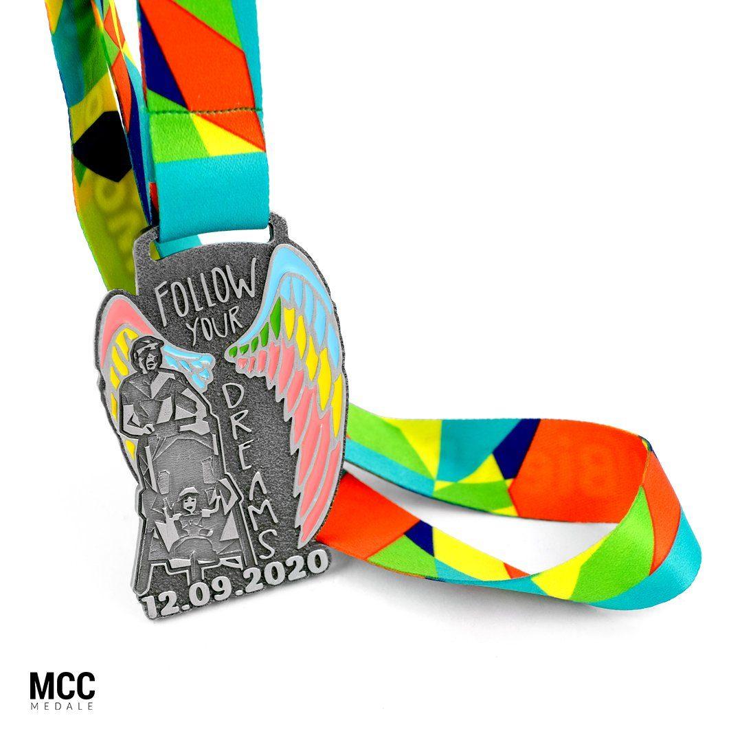 Medale na I Bieg Para(mi) wyprodukowane przez producenta medali sportowych - MCC Medale