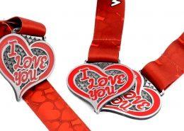 Wirtualny bieg walentynkowy - medale przygotowane przez MCC Medale