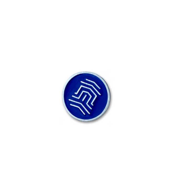 Okolicznościowy pins emaliowany wyprodukowany przez MCC Medale