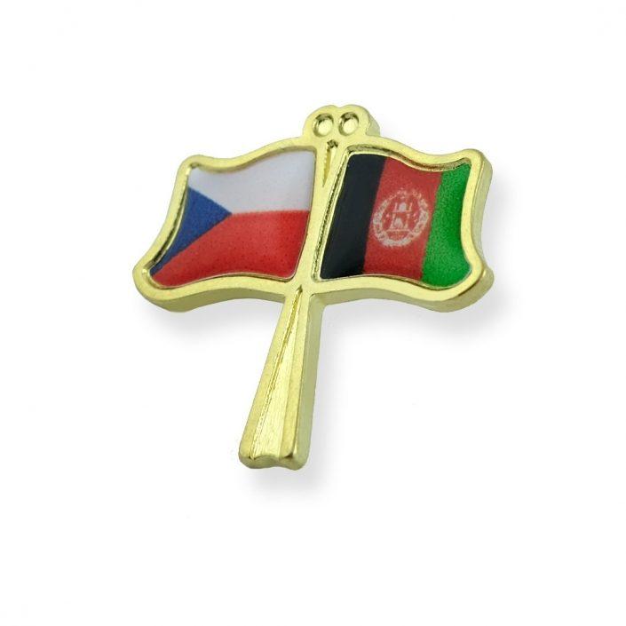 Pins z motywem powiewających flag Czech i Afganistanu