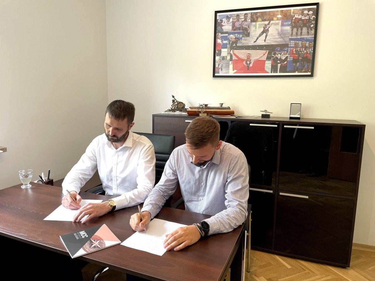 Podpisanie umowy o współpracy z Polskim Związkiem Łyżwiarstwa Szybkiego